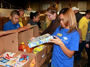 Michelle Cowsen Sorts Breakfast Items at the North Texas Food Bank